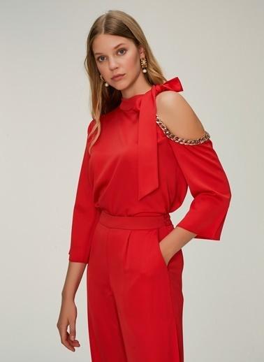 NGSTYLE Zincir Detaylı Bluz Kırmızı